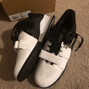 Reebok Shoes - Reebok legacy size 9